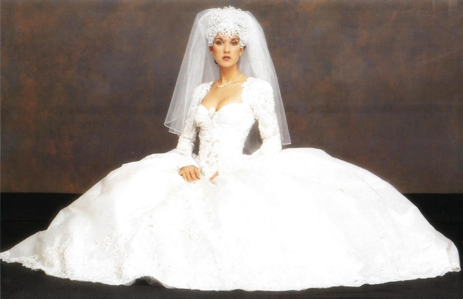 Celine Dion Wedding Dress 46275 Theweddingplans Celine Dion Wedding Dress Completely Elegant  Along With Fascinating   Celine Dion Wedding Dress Just For  Bridal Dress