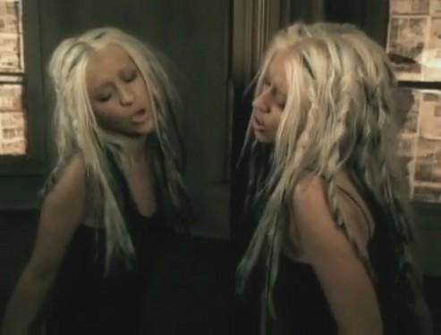 beautiful-music-video-christina-aguilera-26415816-893-680-e1361034539605