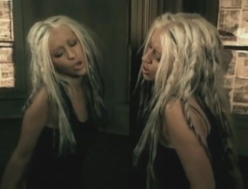 beautiful-music-video-christina-aguilera-26415816-893-680-e1361034539605